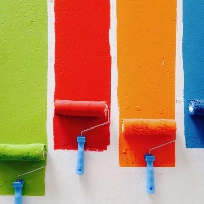 Как выбрать краску для внутренних работ ?
